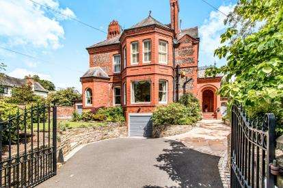 7 Bedrooms Detached House for sale in Cavendish Road, Bowdon, Altrincham, Greater Manchester