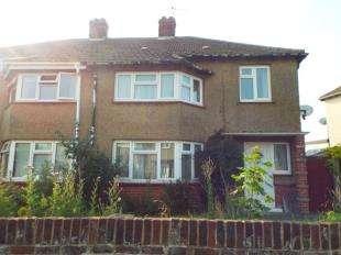 3 Bedrooms Semi Detached House for sale in Reedland Crescent, Faversham, Kent