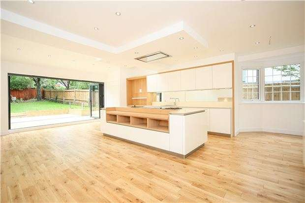 5 Bedrooms Semi Detached House for sale in Pollards Hill East, LONDON, SW16