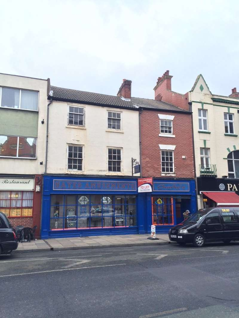 Shop Commercial for rent in 76-78 St. Sepulchre Gate