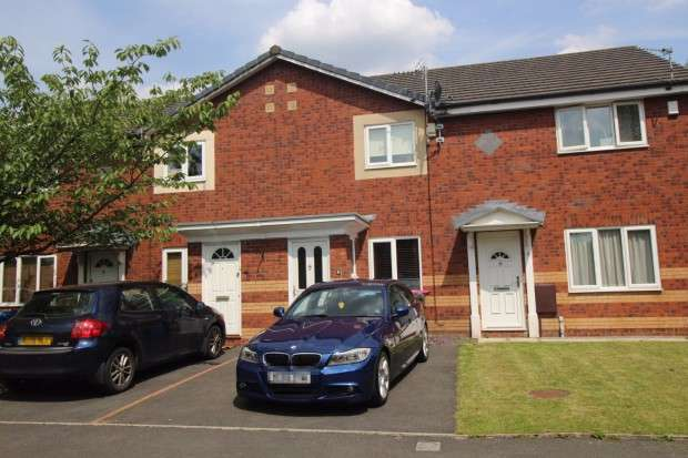 2 Bedrooms Town House for sale in Velour Close, Trinity Riverside, Salford, M3
