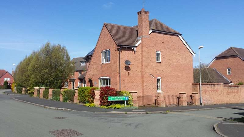 5 Bedrooms Detached House for sale in Old Farm Drive, Wolverhampton, Staffordshire, WV8