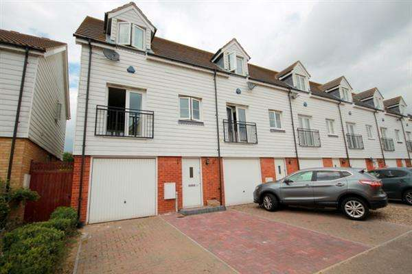 2 Bedrooms House for sale in Park Road, St Osyth