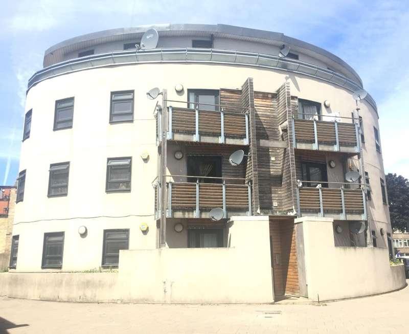 1 Bedroom Flat for sale in Scotland Green, Tottenham, London, N17 9TS