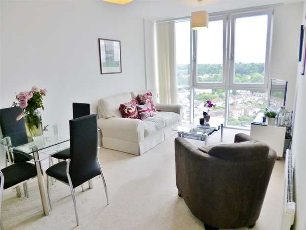 1 Bedroom Flat for sale in KD Tower, HEMEL HEMPSTEAD, Hertfordshire