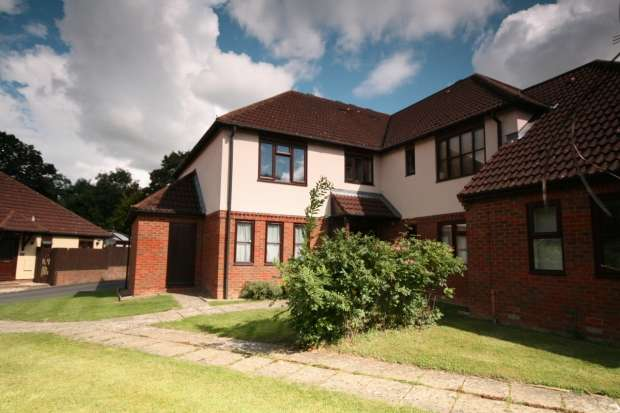 1 Bedroom Apartment Flat for sale in Biscoe Court Wheatley Oxford