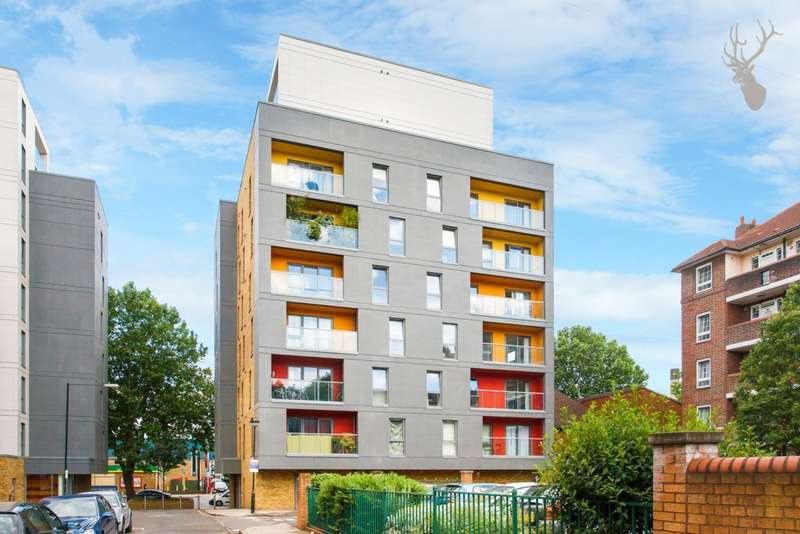 2 Bedrooms Apartment Flat for sale in Chi Building, Crowder Street, Tower Hill, E1
