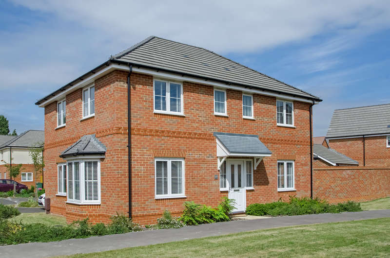 4 Bedrooms Detached House for sale in Milton, Portsmouth