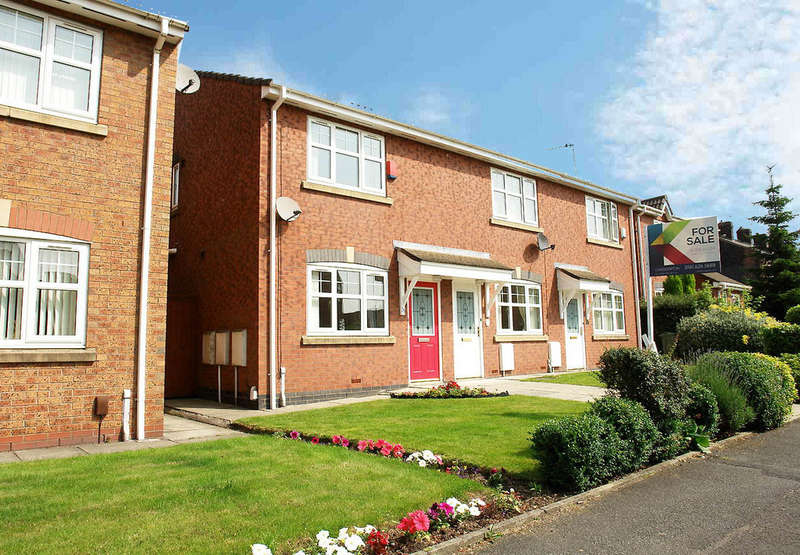 2 Bedrooms Town House for sale in 31 Nimble Nook, Chaddderton