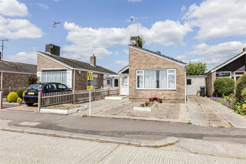 2 Bedrooms Bungalow for sale in Muirfield Road, Durrington, West Sussex, BN13 2NA