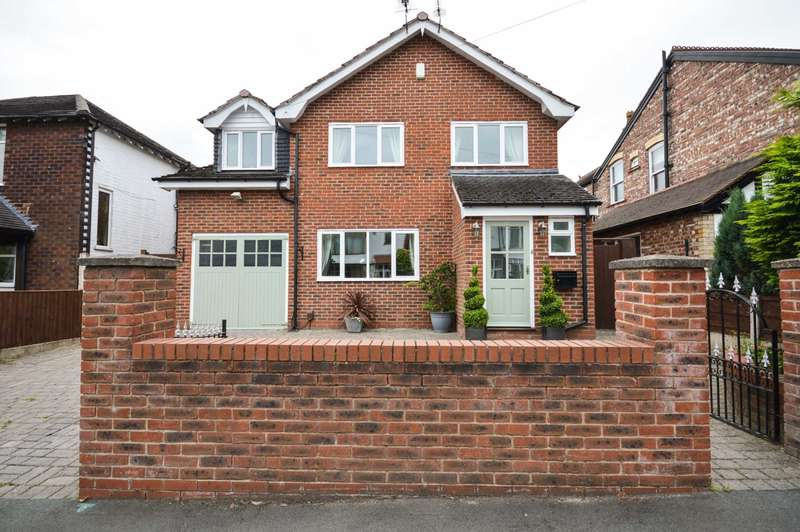 5 Bedrooms Detached House for sale in Victoria Avenue, Cheadle Hulme