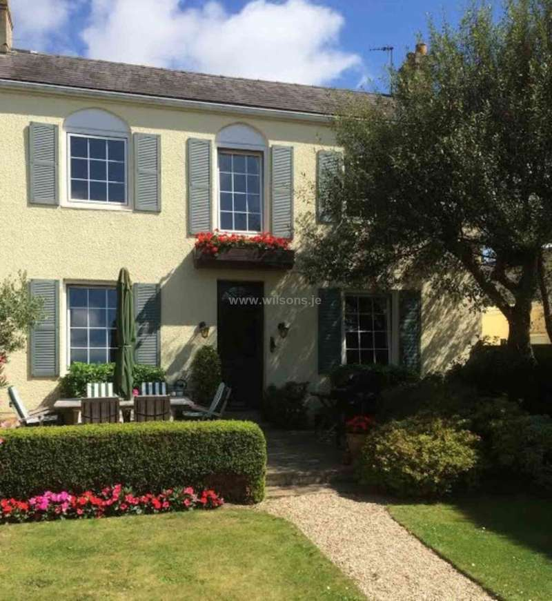 2 Bedrooms Semi Detached House for sale in St Helier