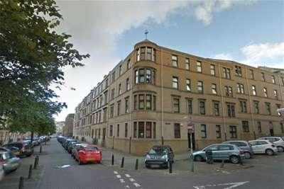 3 Bedrooms Flat for rent in Elie Street, West End