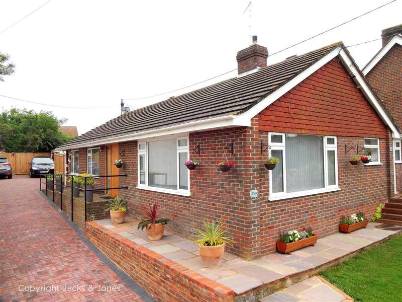 3 Bedrooms Bungalow for sale in South Road