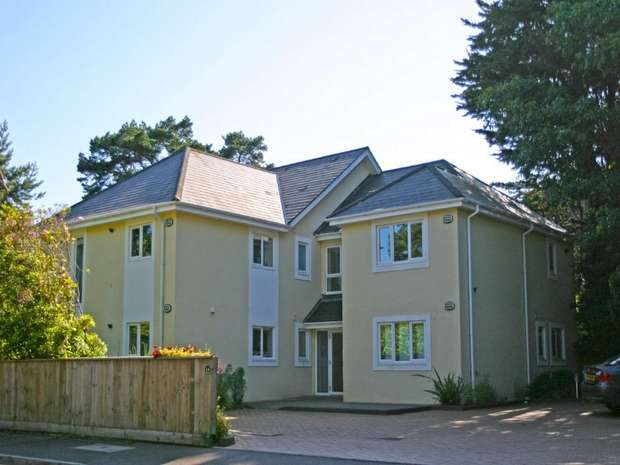2 Bedrooms Flat for sale in Canford Crescent, Canford Cliffs, Poole, Dorset