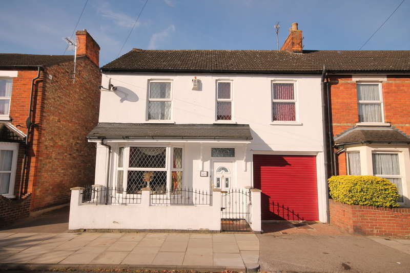4 Bedrooms Semi Detached House for sale in George Street, Bedford, MK40