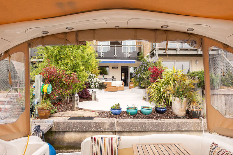 3 Bedrooms Property for sale in Port Solent, Hampshire