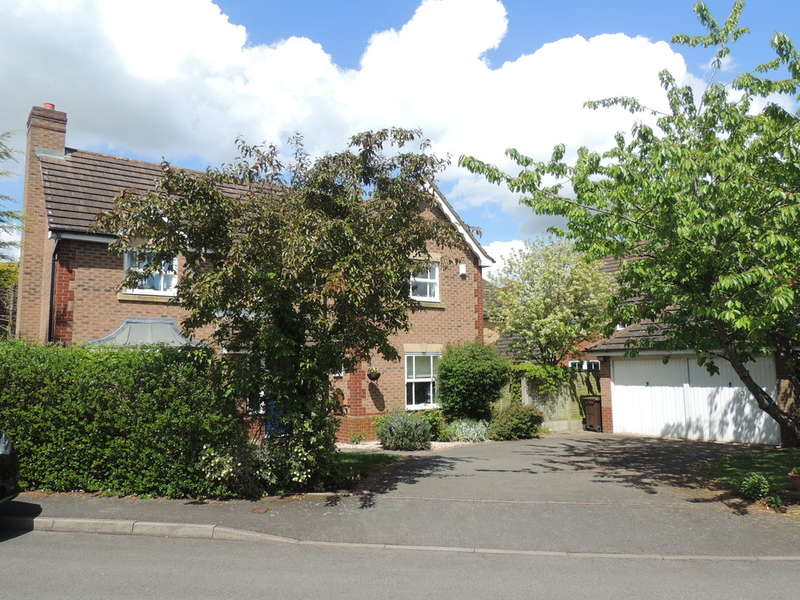 4 Bedrooms Detached House for sale in Lapwing Drive, Hampton-In-Arden, Solihull
