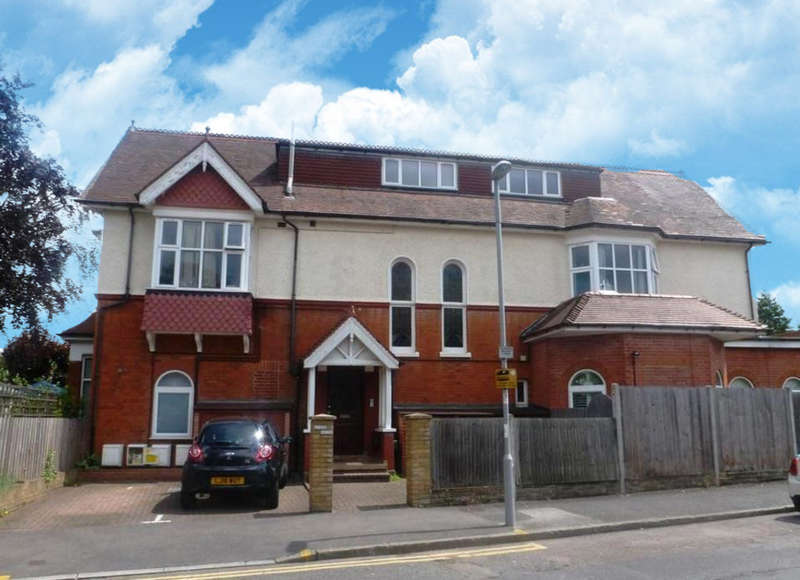 2 Bedrooms Ground Flat for sale in Ewell Road, Surbiton