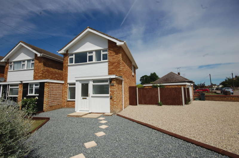 3 Bedrooms Detached House for sale in Sunrise Avenue, Chelmsford, CM1