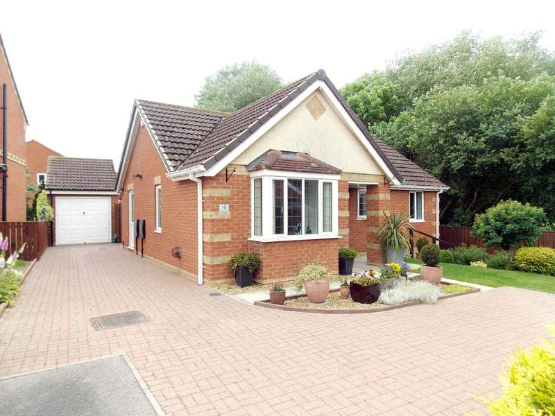 3 Bedrooms Detached Bungalow for sale in Aldgrove Way, Darlington