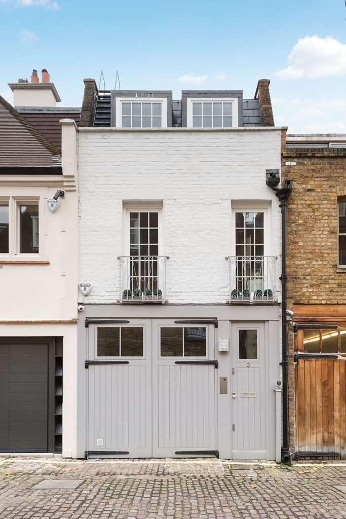 5 Bedrooms Mews House for sale in Ennismore Mews, Knightsbridge, SW7