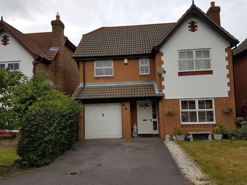 4 Bedrooms Detached House for sale in Gilbert Road, Grays