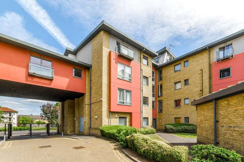 1 Bedroom Flat for sale in Winkfield Road, Wood Green, N22