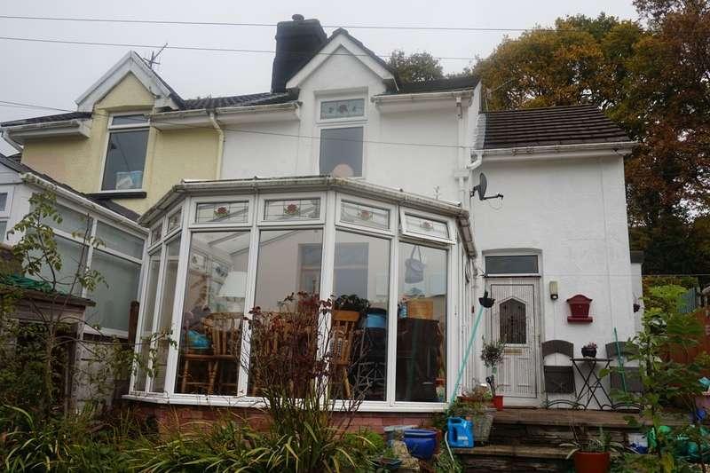 2 Bedrooms Semi Detached House for sale in Woodfieldside, Blackwood, NP12