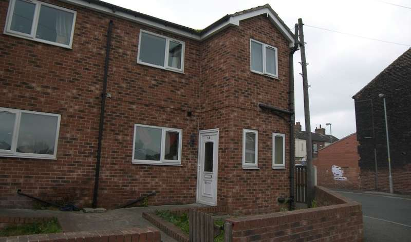 3 Bedrooms Semi Detached House for sale in Kinsley Street, Kinsley, Pontefract, West Yorkshire, WF9 5HH