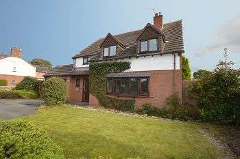 4 Bedrooms Detached House for sale in Hassall Road, Sandbach, CW11 4HN