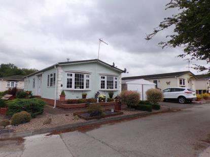 2 Bedrooms Bungalow for sale in Leeside, Alvaston, Derby, Derbyshire