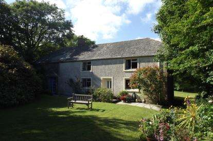 3 Bedrooms Equestrian Facility Character Property for sale in Helston, Cornwall