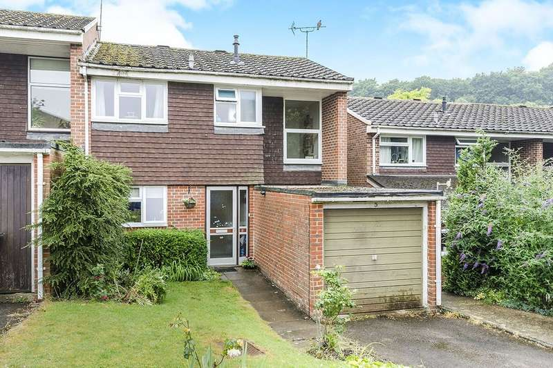 3 Bedrooms Property for sale in Wordsworth Close, Winchester, SO22