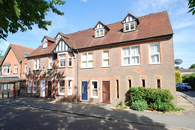 1 Bedroom Flat for sale in Buckingham House, Bois Lane, Amersham, HP6