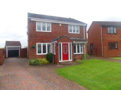 4 Bedrooms Detached House for sale in Castle Close, Stockton-On-Tees, Durham