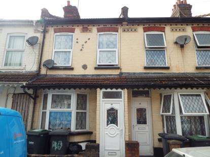 3 Bedrooms Terraced House for sale in Ivy Road, Luton, Bedfordshire, England