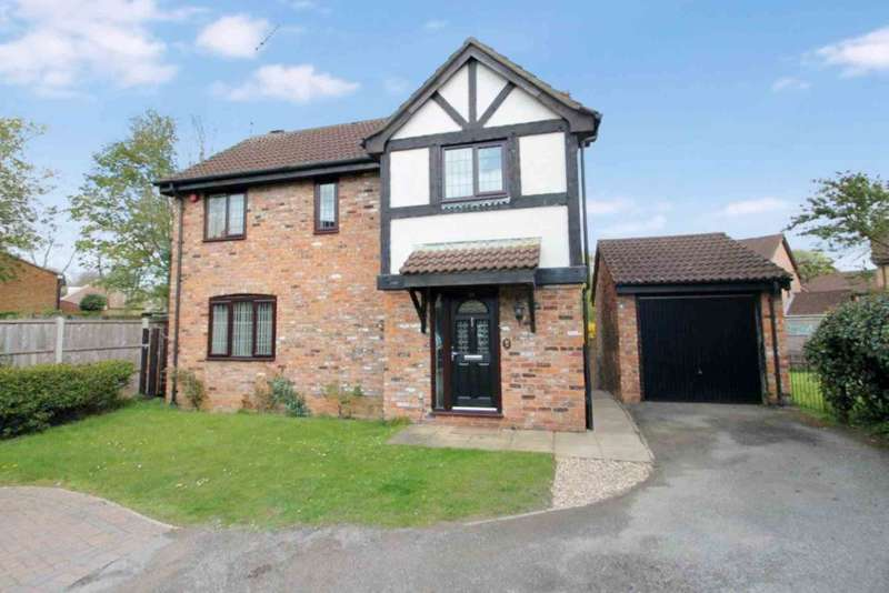3 Bedrooms Detached House for sale in 3 BED DETACHED with TWO BATHROOMS & CORNER PLOT GARDEN.