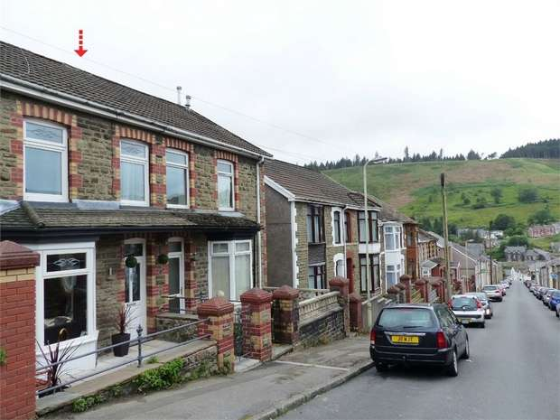 3 Bedrooms Terraced House for sale in 55 Alexandra Road, Pontycymer, Bridgend, Mid Glamorgan