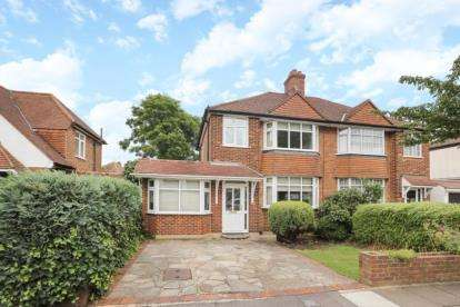 3 Bedrooms Semi Detached House for sale in Chatham Avenue, Bromley