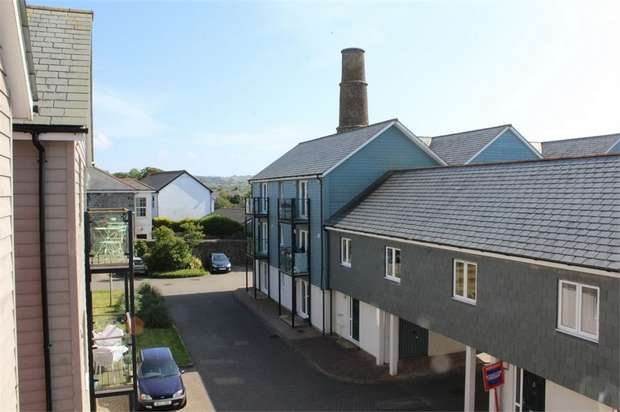 2 Bedrooms Flat for sale in Whym Kibbal Court, Redruth, Cornwall