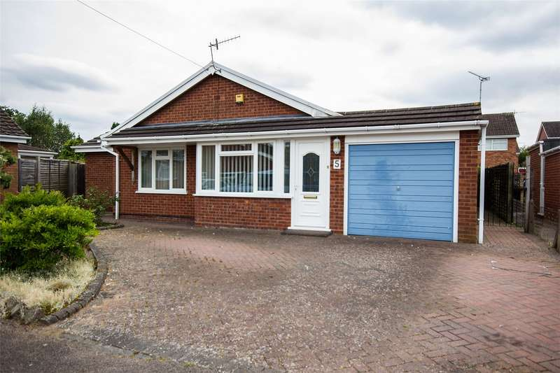 3 Bedrooms Detached Bungalow for sale in Monnow Close, Barnards Green, Malvern, Worcestershire