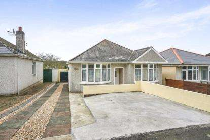 2 Bedrooms Bungalow for sale in Beacon Park, Plymouth, Devon