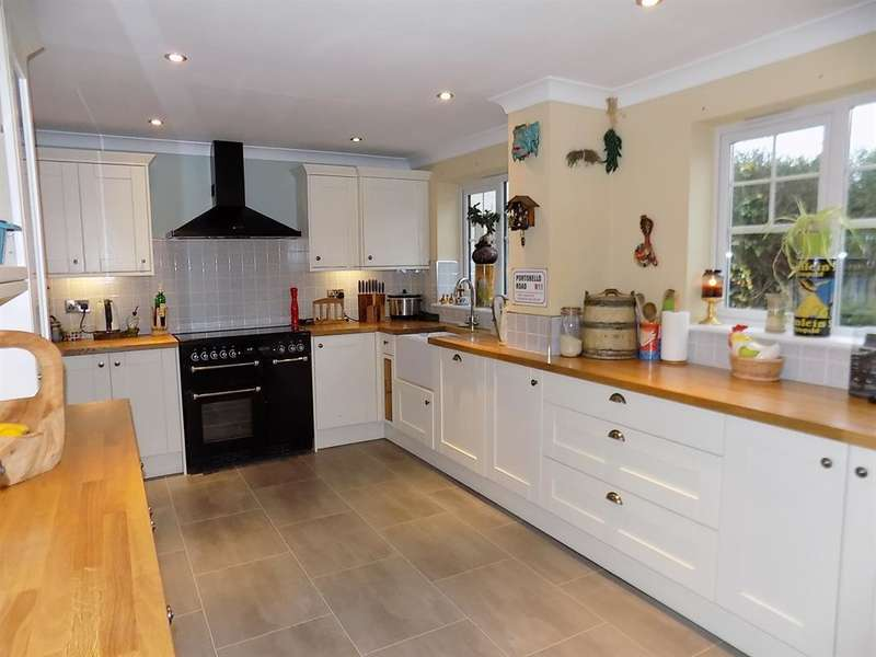 5 Bedrooms Town House for sale in Condercum Green, Ingleby Barwick, Stockton-on-Tees, TS17 5LF