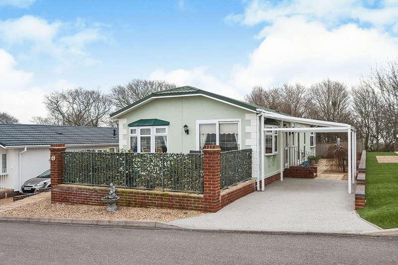 2 Bedrooms Detached Bungalow for sale in Eastbourne Heights Oak Tree Lane, EASTBOURNE, BN23