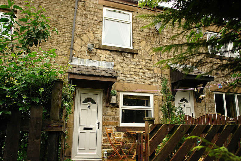 2 Bedrooms Terraced House for sale in Bottoms Fold, Mossley