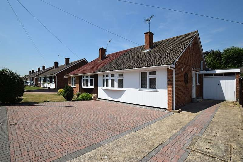 3 Bedrooms Bungalow for sale in Hayse Hill, Windsor, SL4