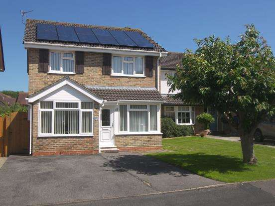 3 Bedrooms Detached House for sale in Emsworth, Hampshire