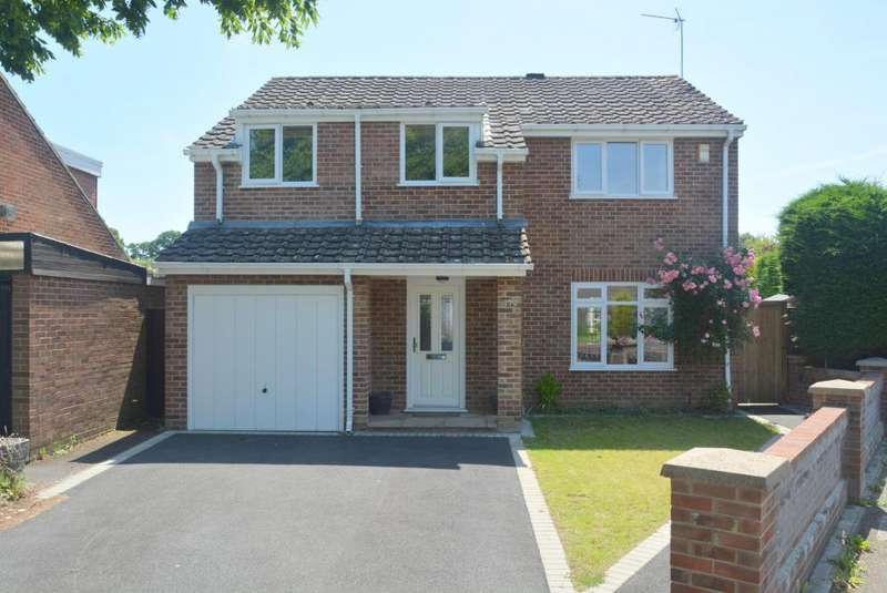 4 Bedrooms Detached House for sale in MERLEY, WIMBORNE