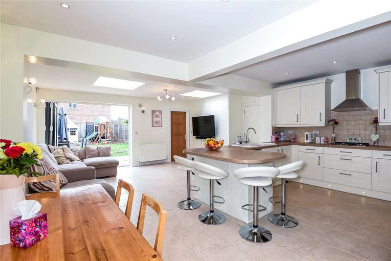 3 Bedrooms Terraced House for sale in Austins Lane, Ickenham, Middlesex, UB10